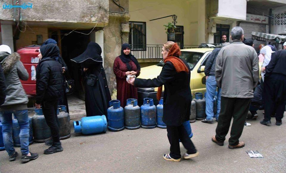 Photo of محافظ دمشق يلغي تراخيص لنقل المازوت ولبيع الغاز بسبب الاتجار