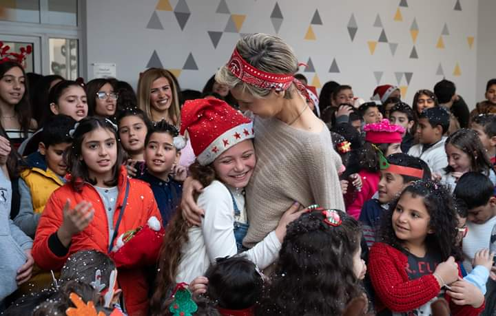 Photo of Mrs. Asma al-Assad visited the Armenian school and shared the celebration of the festivals