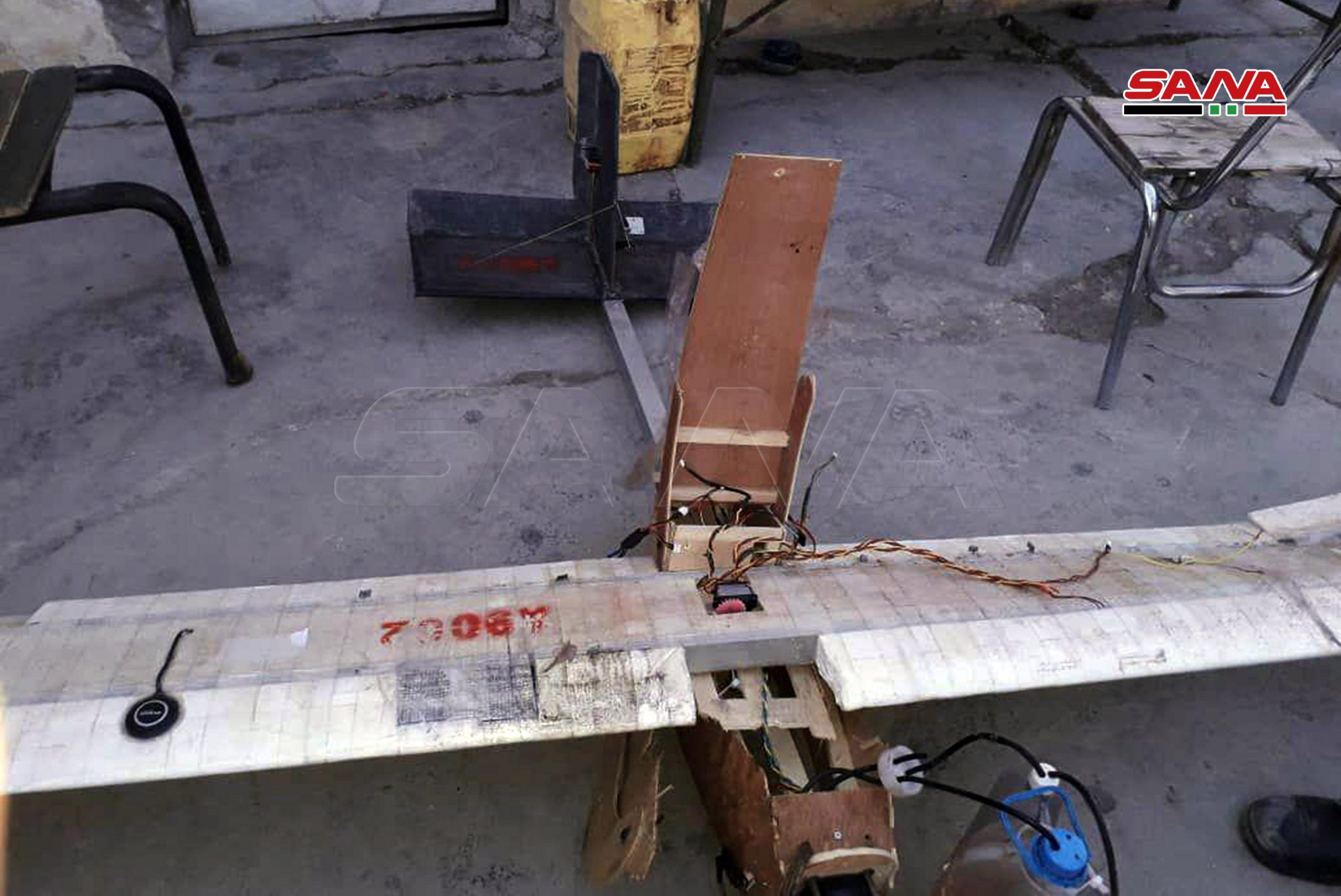 Photo of إسقاط عدة طائرات مُسيرة ومحملة بالقنابل فوق مطار حماة العسكري و سلمية وجبلة