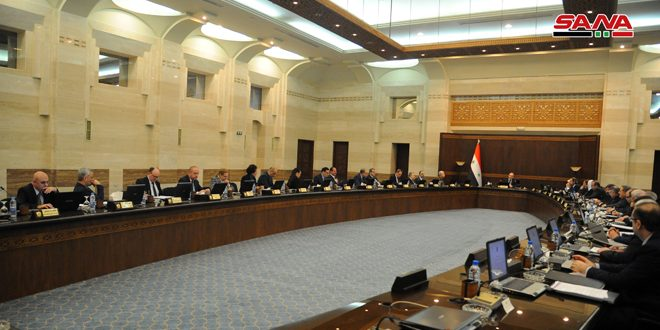 Photo of الحكومة تُقر خطة تأمين المواد الأساسية للمواطنين بشكل مدعوم