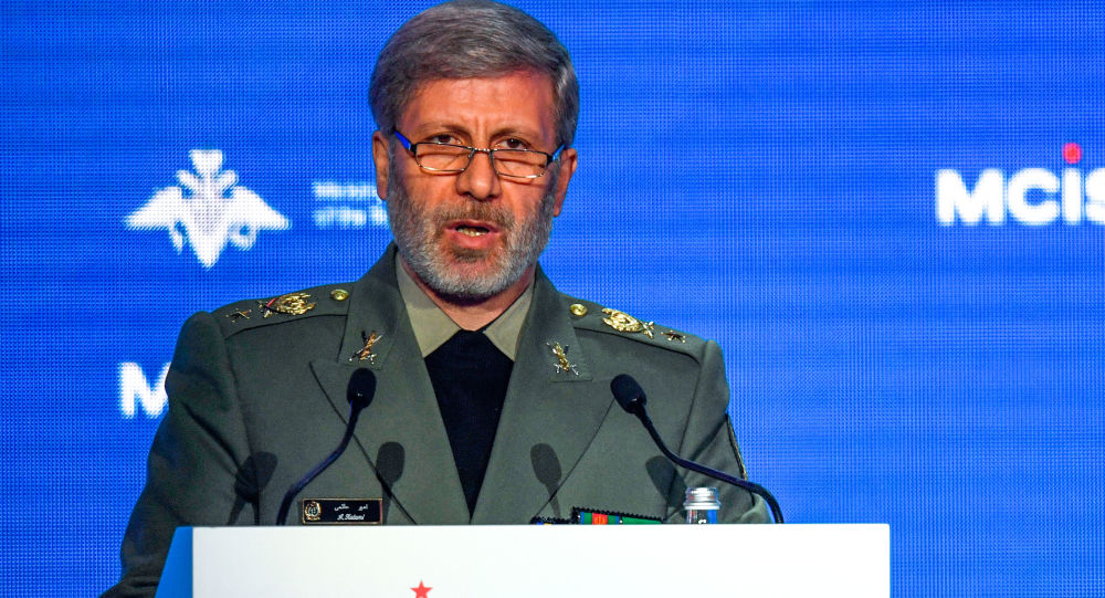 Photo of وزير الدفاع الإيراني: ستتلقى الولايات المتحدة الأمريكية ردا قاسيا مدويا