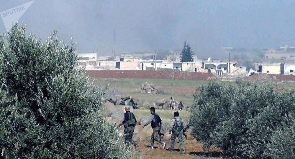"""Photo of الجيش يفتتح 3 معابر لخروج المدنيين من مناطق """"النصرة"""" في إدلب وحلب"""