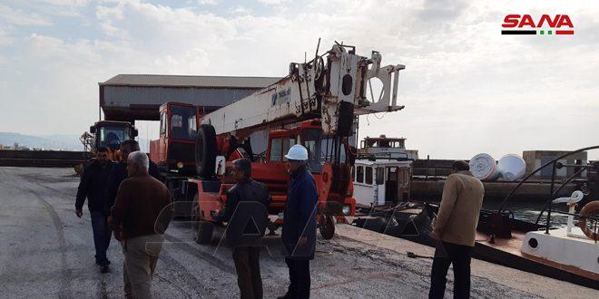 Photo of كوادر وزارة النفط تبدأ إصلاح الأضرار بمرابط النفط في بانياس