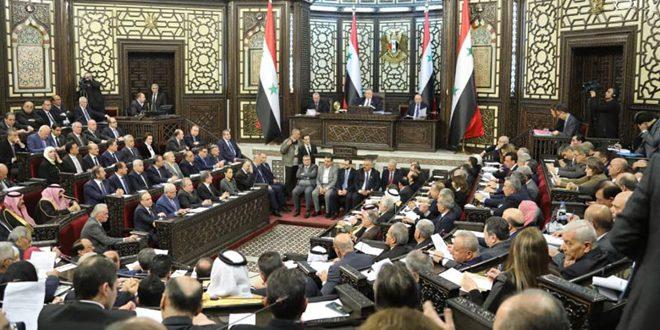 "Photo of تحت قبة البرلمان….""رئيس الحكومة"" يوضح تداعيات الحرب الأمريكية على الاقتصاد السوري"