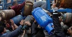 Photo of أكشاك محروقات سوداء في السويداء.. وأسطوانة الغاز وصلت إلى 8 آلاف ليرة