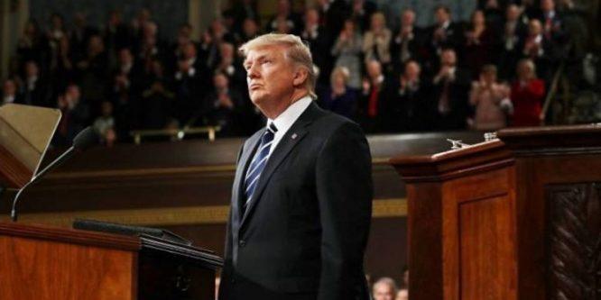 """الجمهوريون يعطلون إجراءات محاكمة ترامب بحجة """"الدستور"""" أكد الزعيم الديمقراطي"""