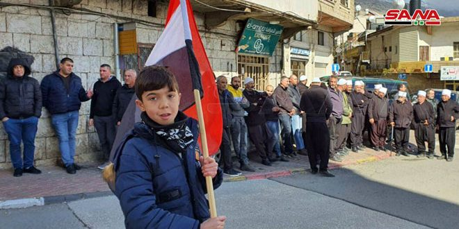 Photo of أبناء الجولان المحتل ينفذون إضراباً شاملاً احتجاجاً على مخطط الكيان الاسرائيلي إقامة توربينات هوائية على أراضيهم