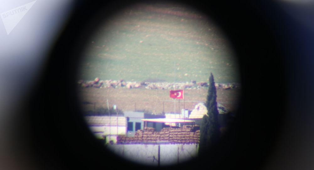 Photo of فيديو يُظهر حالة الارتباك لجنود أتراك محاصرون من قبل الجيش السوري ضمن نقطة عسكرية بريف ادلب