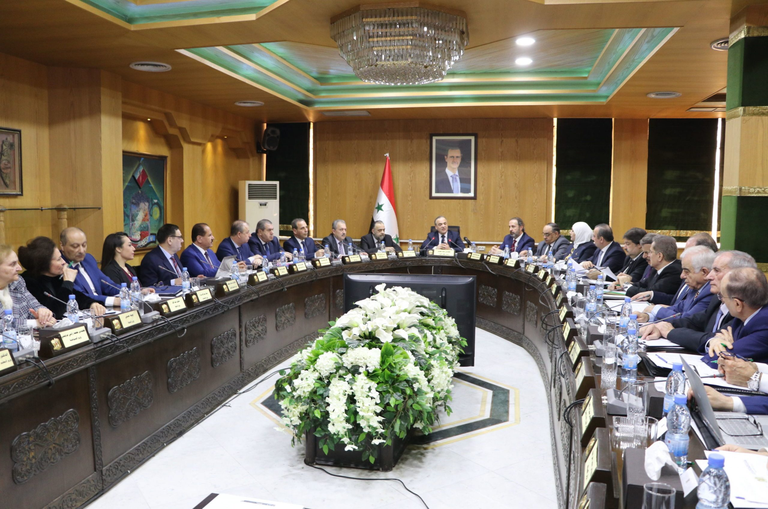 Photo of الحكومة تجتمع بـ حلب.. وخطة لنهوض بالعاصمة الإقتصادية