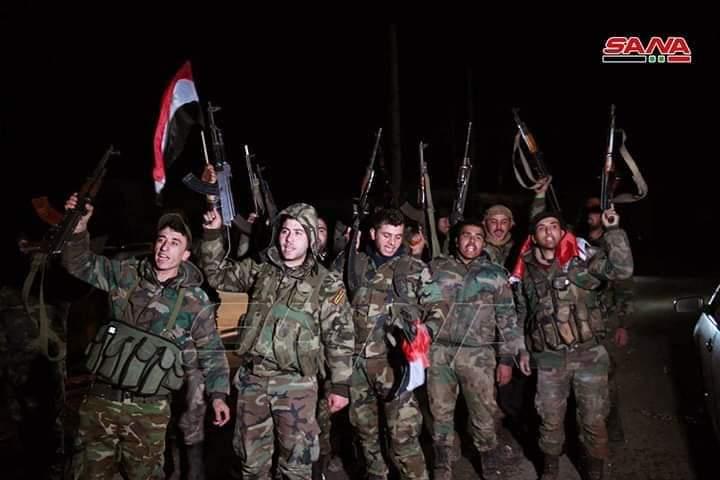Photo of صور وفيديو – التقاء وحدات الجيش المتقدمة من ريفي حلب الجنوبي وإدلب الشرقي في تلة العيس