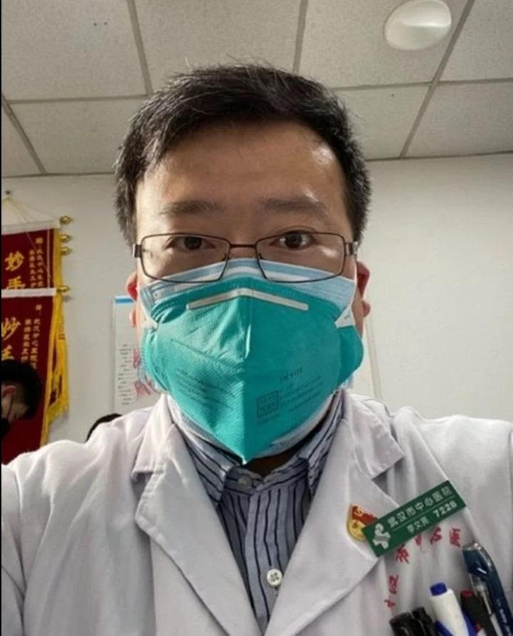 Photo of طبيب صيني دفع حياته ثمن تحذير لم تلتزم به الصين ليصبح الآن وباء عالمي