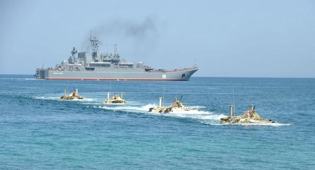 Photo of سفينة إنزال روسية كبيرة تتجه إلى سوريا