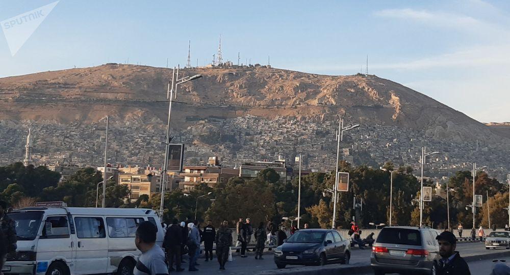Photo of دمشق تعلن عدم تسجيل أية إصابة بفيروس كورونا وترفع درجة الجاهزية