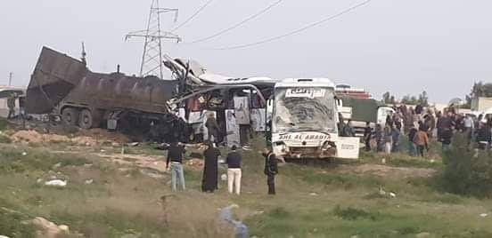 Photo of Twenty two killed, 70 injured in traffic accident on Homs-Damascus highway