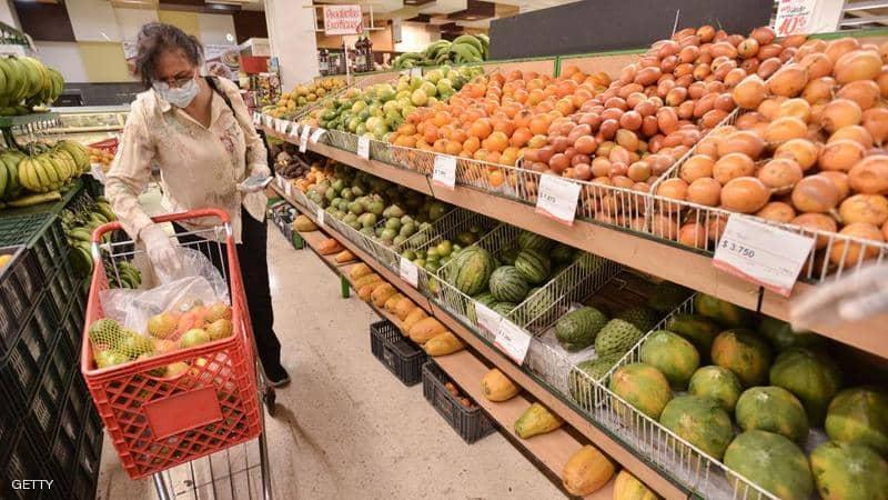 Photo of كيف تحمي نفسك من كورونا عند شراء الخضراوات والفواكه؟