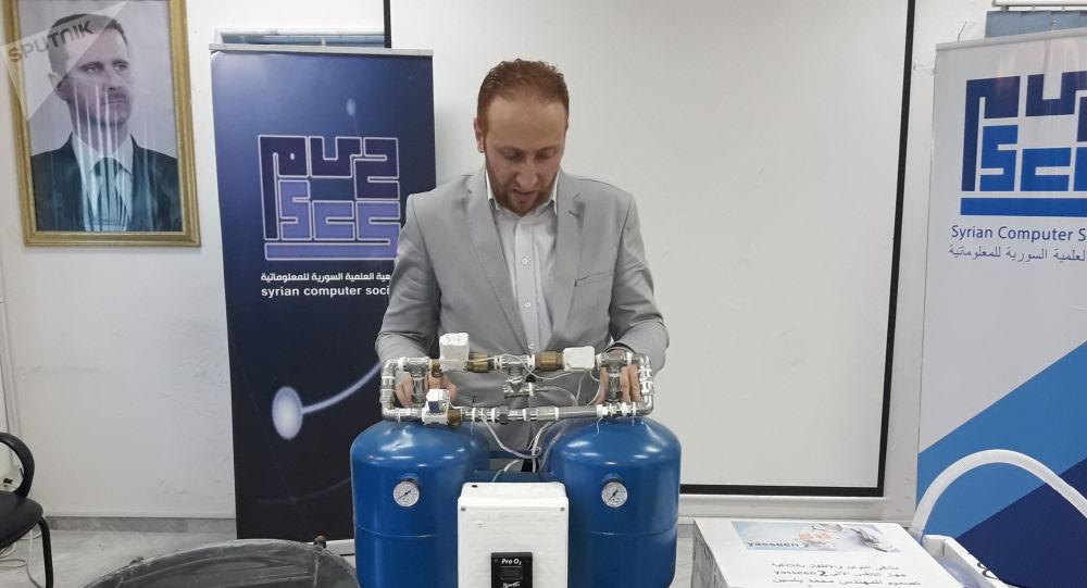 Photo of مهندس سوري يصنع جهاز تنفس صناعي بمواد محلية (فيديو)