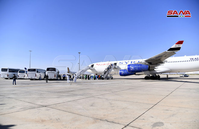 Photo of من مصر….وصول طائرة تقل سوريين عالقين في الخارج إلى مطار دمشق الدولي