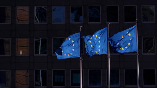 Photo of بعد أمريكا.. الاتحاد الأوروبي يمدد عقوباته ضد سوريا لمدة عام