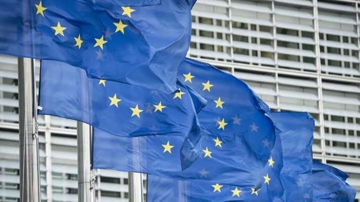 "Photo of مبادرة شعبية لسوريين بأوروبا لرفع مذكرة بتوقيع الآلاف تطالب الاتحاد الأوروبي والأمم المتحدة برفع ""العقوبات"" عن سوريا"