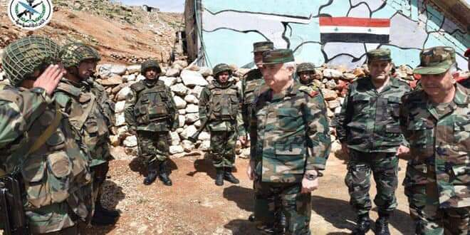 Photo of Defense Minister visits army positions in southern region