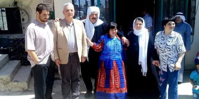 محافظ السويداء يزور أسرة الشيخ نهاد ابو اسماعيل والد لثلاث من ذوي الاحتياجات الخاصة