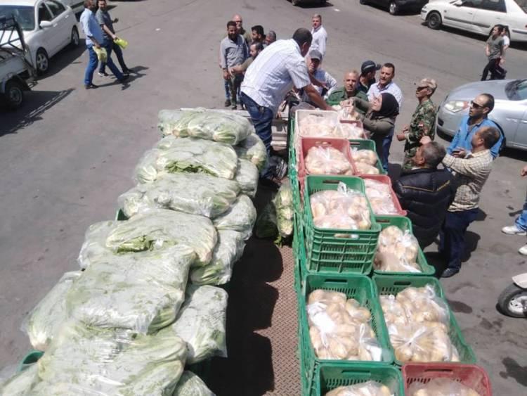 Photo of محافظة دمشق تحدد 8 مناطق سيباع فيها الخضار بنصف القيمة.