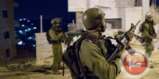 Photo of Israeli occupation forces arrest 20 Palestinians in the West Bank