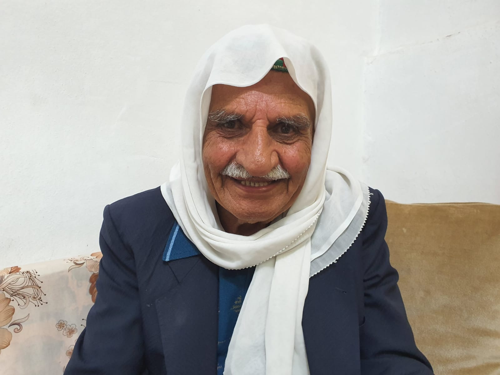 Photo of من قانون قيصر شعر نايف سليم