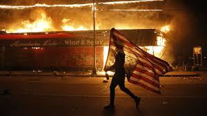 Photo of ترامب: السجن لمن يحرق العلم الأمريكي