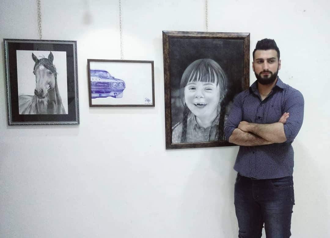 Photo of دقة و إبداع في رسم التفاصيل جسدها الشاب علاء يونس بلوحاته