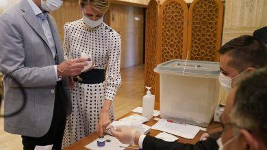 Photo of President al-Assad, Mrs. Asma al-Assad vote for the People's Assembly elections for 3rd legislative term