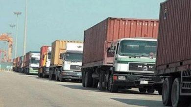 Photo of بالرغم من كورونا وقيصر والحرب… سوريا تصدر للعراق 15 شاحنة بضائع يوميا عبر البوكمال