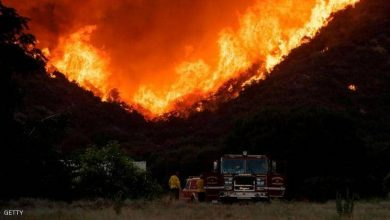 Photo of حريق ضخم بكاليفورنيا يجبر الآلاف على ترك منازلهم