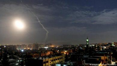Photo of مصدر عسكري: شهيدين وجرح سبعة جنود بالعدوان الإسرائيلي على دمشق مساء أمس