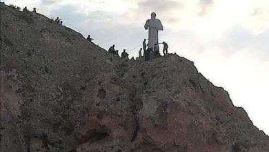 Photo of تمثال القديس شربل بأعلى قمة في جبال معلولا
