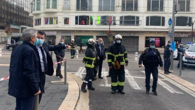 Photo of هجوم جديد في فرنسا.. قطع رأس امرأة ومقتل اثنين