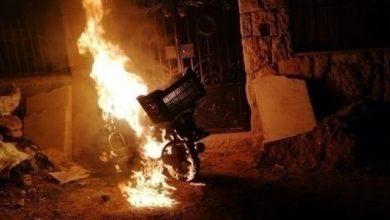 "Photo of بسبب جريمة قتل.. طرد قسري لـ ""عائلات سورية"" من منطقة لبنانية"