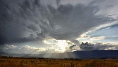 Photo of كتلة هوائية باردة مرفقة بأمطار تبدأ اليوم وتنتهي الخميس