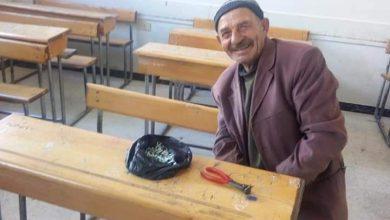 Photo of رجل ستيني يصلح المقاعد المدرسية دون مقابل بمحافظة السويداء