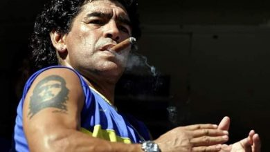 Photo of وفاة أسطورة كرة القدم الأرجنتيني دييغو مارادونا عن 60 عاماً متأثرا بأزمة قلبية
