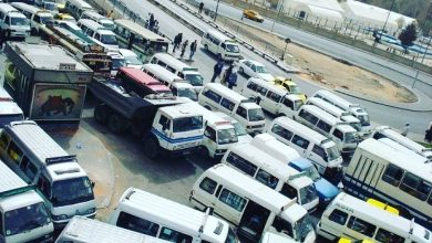 """Photo of """"أزمة المواصلات"""" .. إحالة 7 سائقي وسائل نقل عامة للقضاء وحرمانهم من مخصصاتهم من المازوت"""