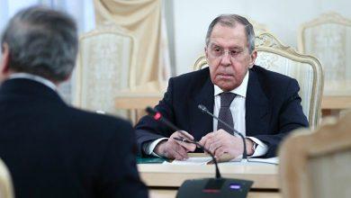 Photo of لافروف: روسيا تزود سوريا بـ 100 ألف طن من القمح