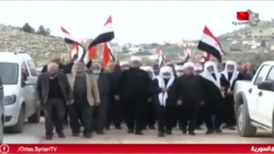 Photo of Delegation from the occupied Syrian Golan visits the liberated captive Maher Al-Akhras (video)