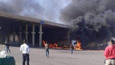 Photo of انفجار حافلة شحن في معبر نصيب الحدودي