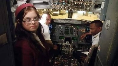 "Photo of أول مضيفة طيران في العالم العربي من "" متلازمة داون """