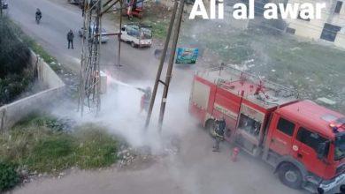 Photo of فوج الإطفاء يخمد حريقاً في محمولة كهرباء في السويداء