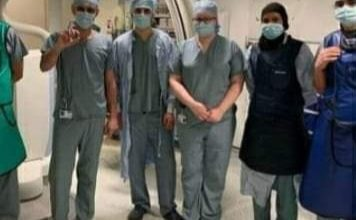 Photo of طبيب سوري يزرع أصغر بطارية قلب بالعالم