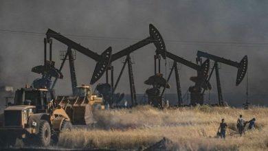 Photo of أمريكا تلعب بالبيضة والحجر لعقد اتفاقيات النفط في سوريا