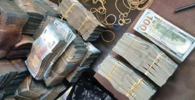 Photo of جمارك درعا تضع يدها على 3 شوالات من الأموال عائدة لعصابة تتاجر بالتصريف