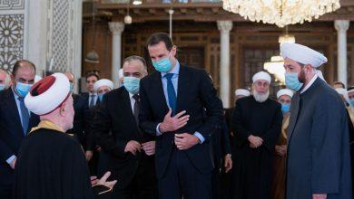 Photo of برحاب جامع بني أمية.. الأسد يؤدي صلاة العيد(صور)